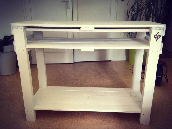 rustic-wooden-pallet-entryway-console