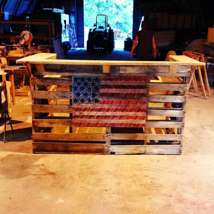 diy pallet bar with painted American flag