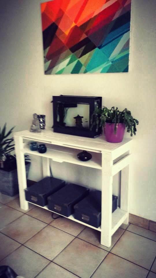 no-cost pallet white decorative console