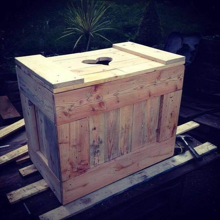upcycled pallet mini storage box or chest