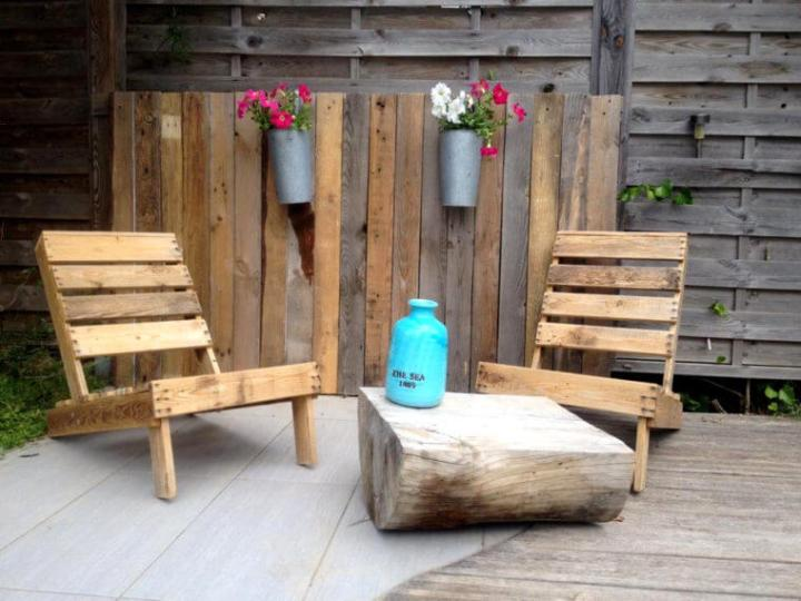 recycled pallet lounge chairs set