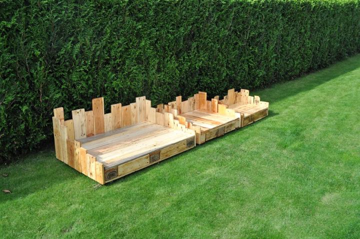 pallet art style dog beds