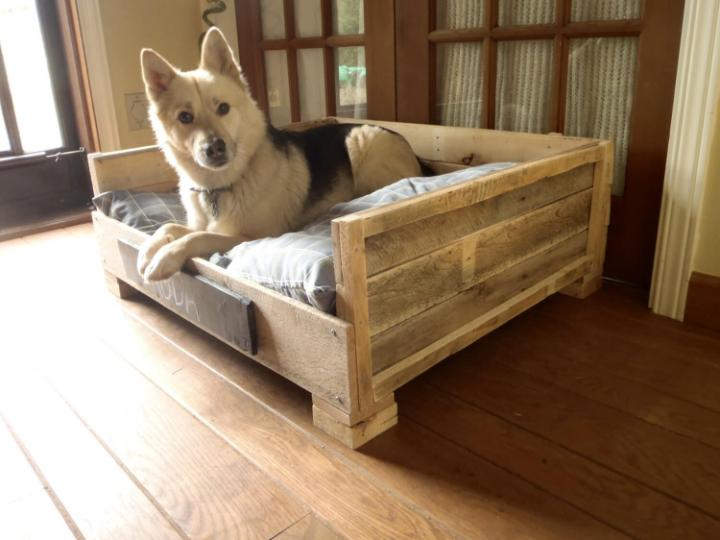 handmade robust pallet dog bed
