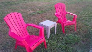 recycled pallet side table for firepit chairs