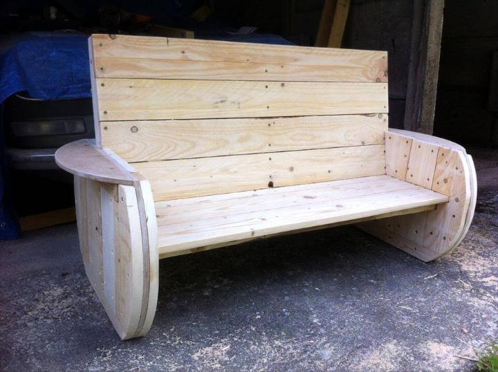 Pallet garden bench diy easy pallet ideas for Rustic outdoor bench plans
