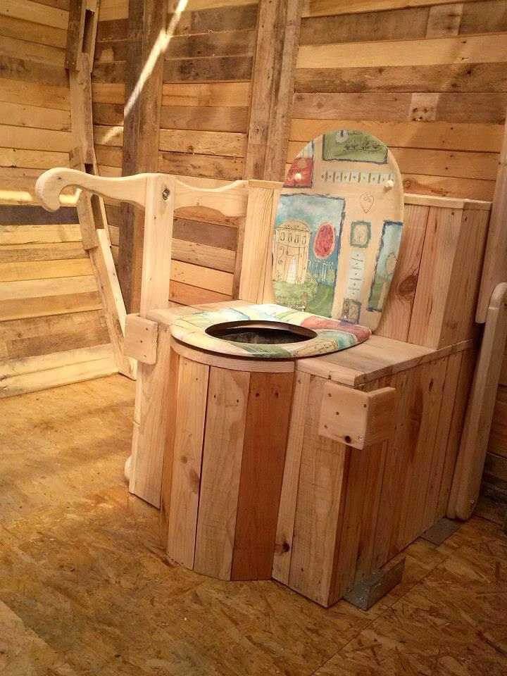 wooden pallet outdoor toilet
