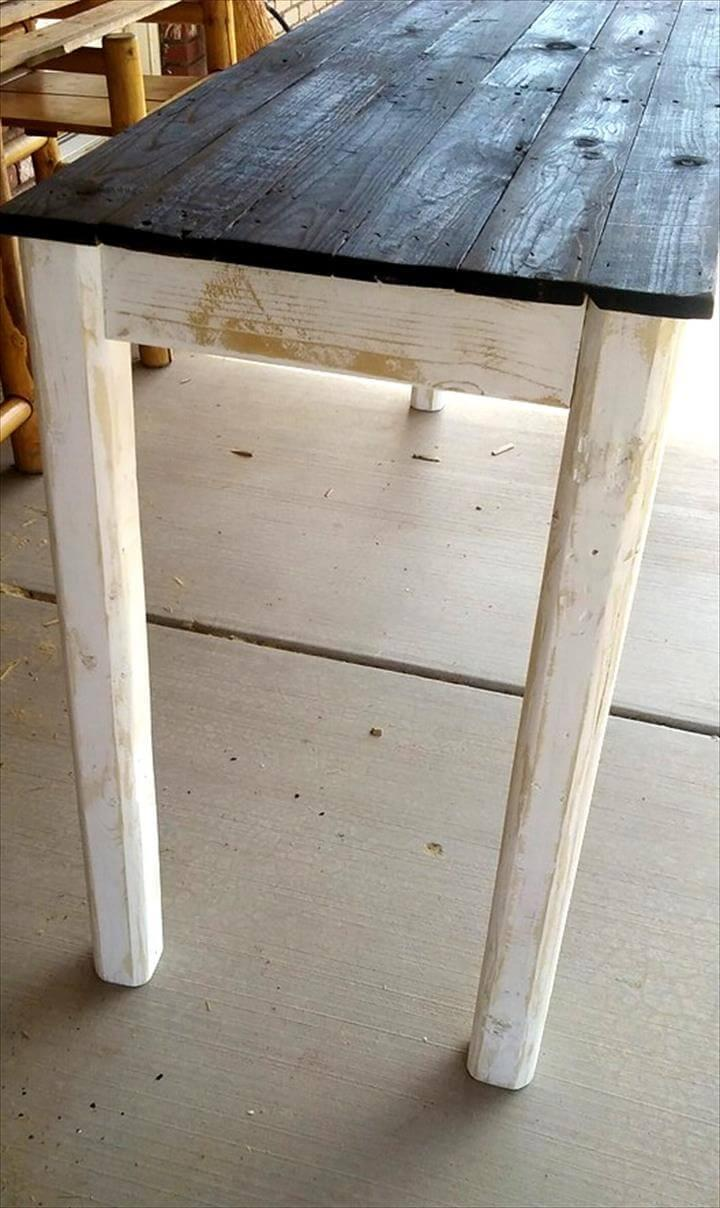 black and white pallet entryway table