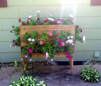 recycled pallet vertical flower planter