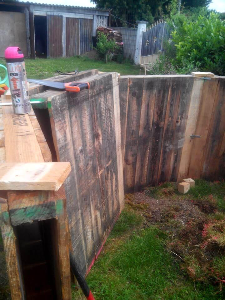 how to install an outdoor swimming pool with pallets