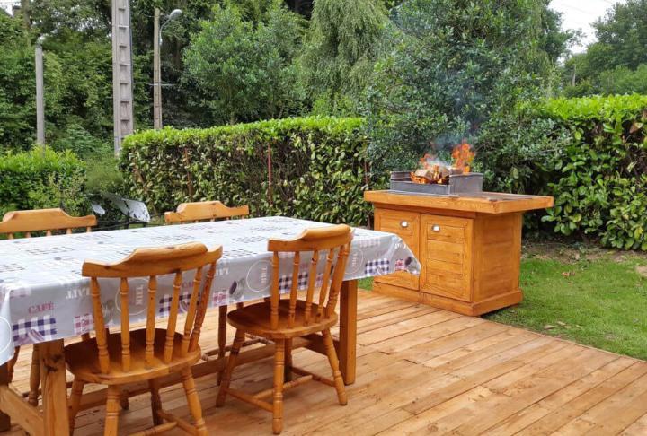 wooden pallet BBQ deck