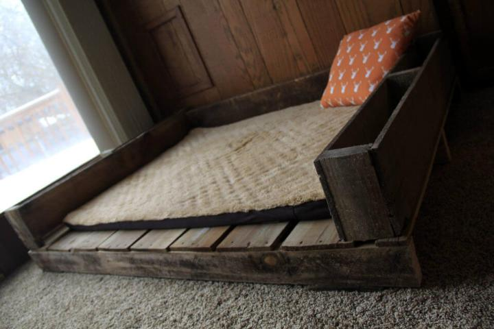 recycled pallet dog bed with open sides