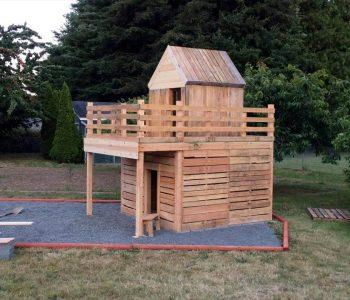 repurposed wooden pallet fun playhouse