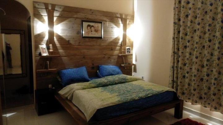 Reclaimed pallet bed with xl size back