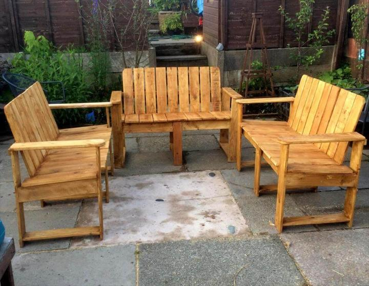 diy pallet patio sitting set
