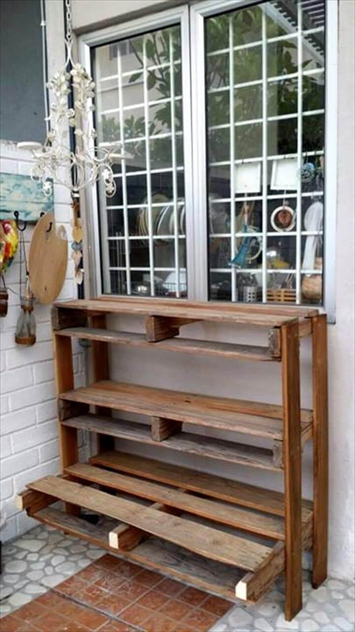 handmade pallet vertical shelves