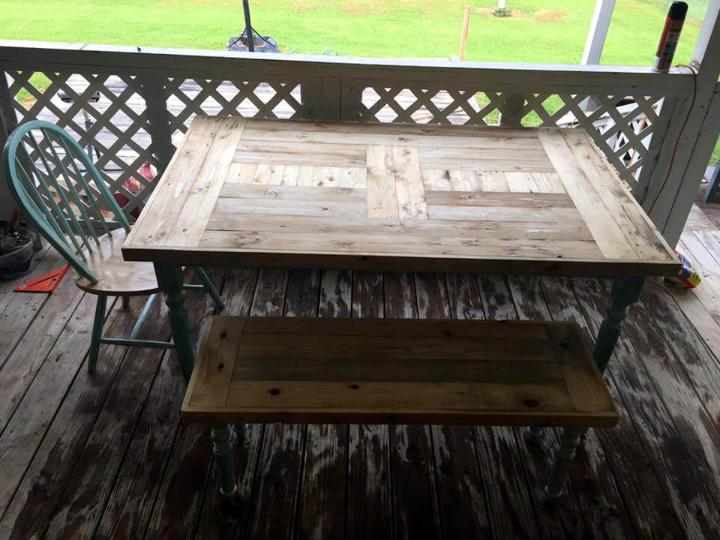 refurbished pallet old dining set