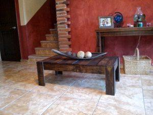 Salvaged Pallet Coffee Table in Vintage