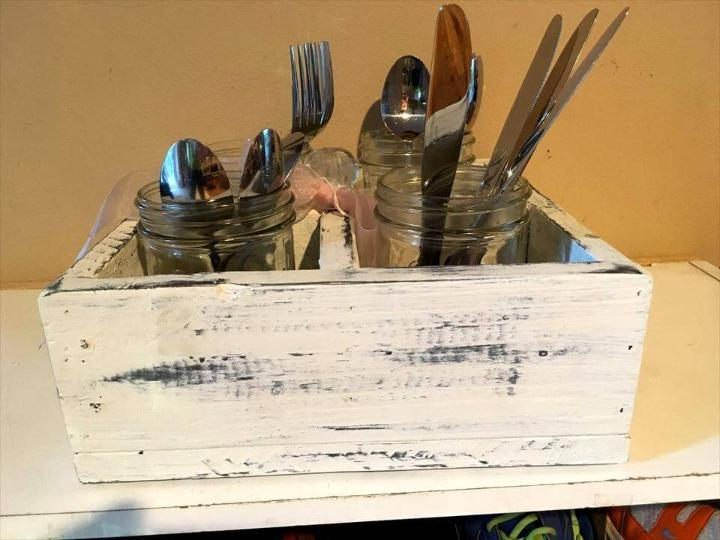 shabby white pallet caddy or cutlery holder
