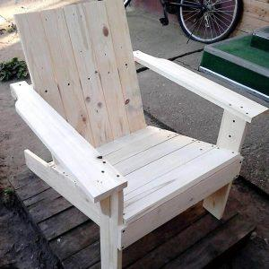 Re-purposed pallet Adirondack chair