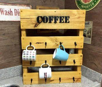 diy wooden pallet coffee mug rack