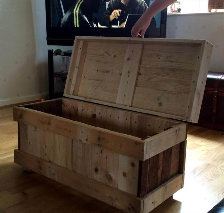 handcrafted pallet wood chest