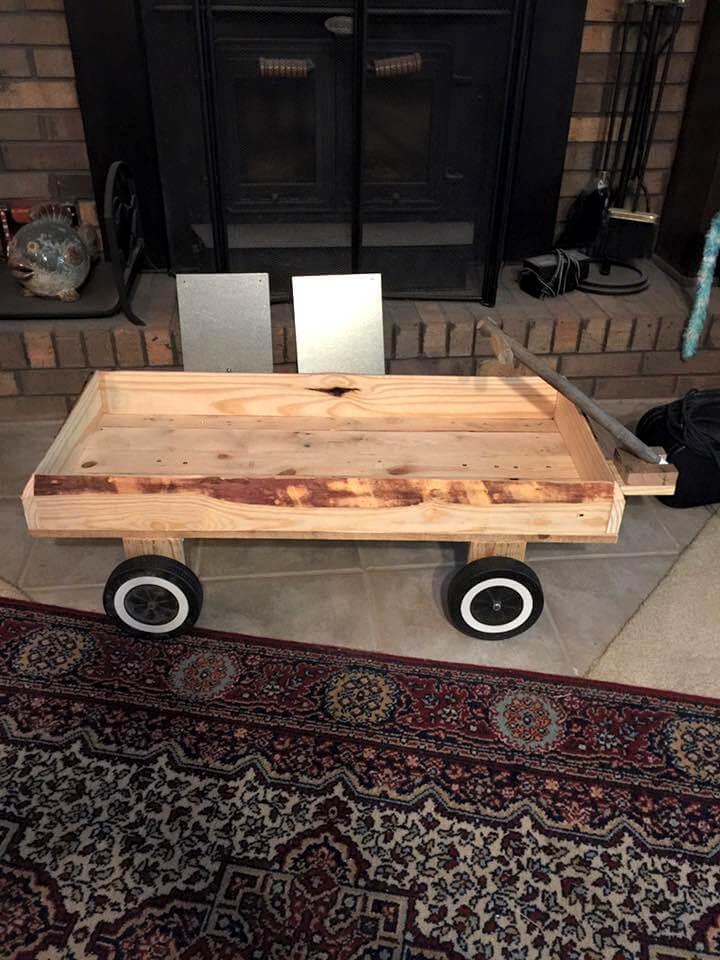 Diy Pallet Yard Cart On Reclaimed Bbq Grill Wheels Easy