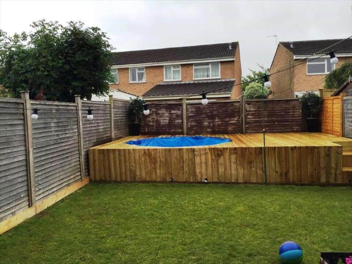 pallet made outdoor swimming pool