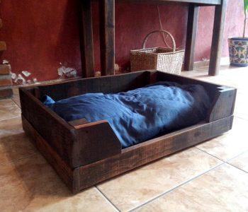 recycled pallet pet bed