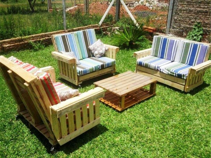cushioned pallet garden sitting furniture