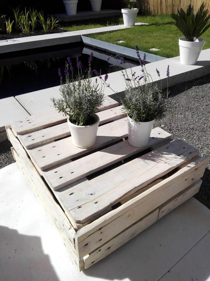 recycled pallet white lounge set
