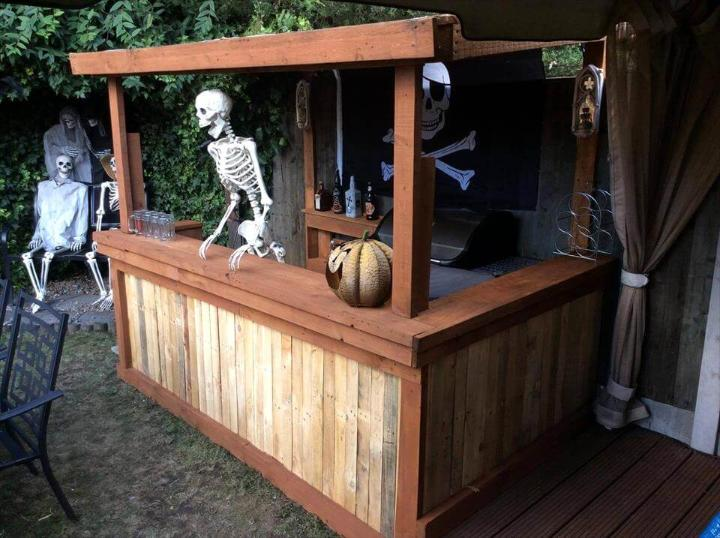 recycled pallet Halloween bar