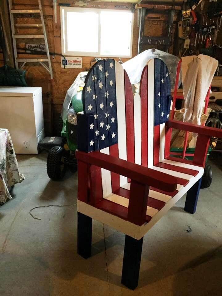 wooden pallet flag bench