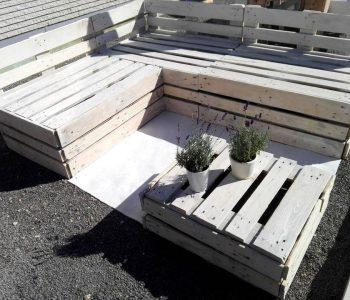 chic white painted pallet lounge set