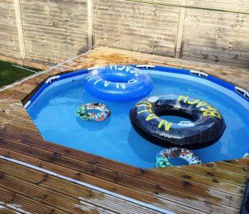 Recycled pallet garden pool