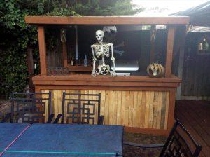 no-cost pallet Halloween bar