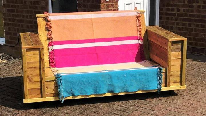 no-cost wooden pallet sofa