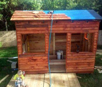 repurposed pallet clubhouse or playhouse for kids