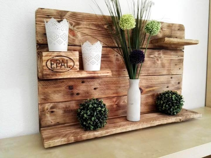 diy pallet display shelf unit