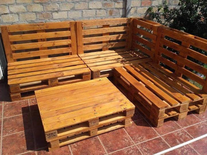 Wooden pallet outdoor sofa