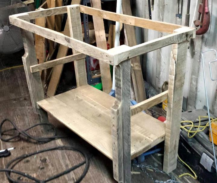 making of pallet coffee cart