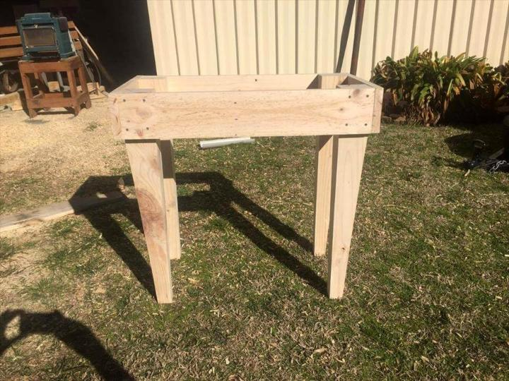 how to build a stool with pallets