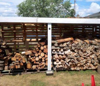 budget-friendly pallet firewood shed
