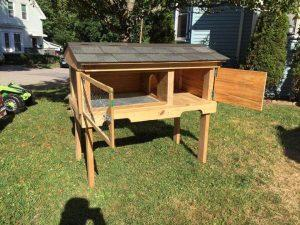 recycled pallet bunny house