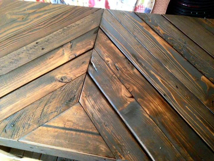 repurposed wooden pallet chevron sofa table with built-in shelf