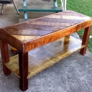reclaimed pallet coffee table or TV unit