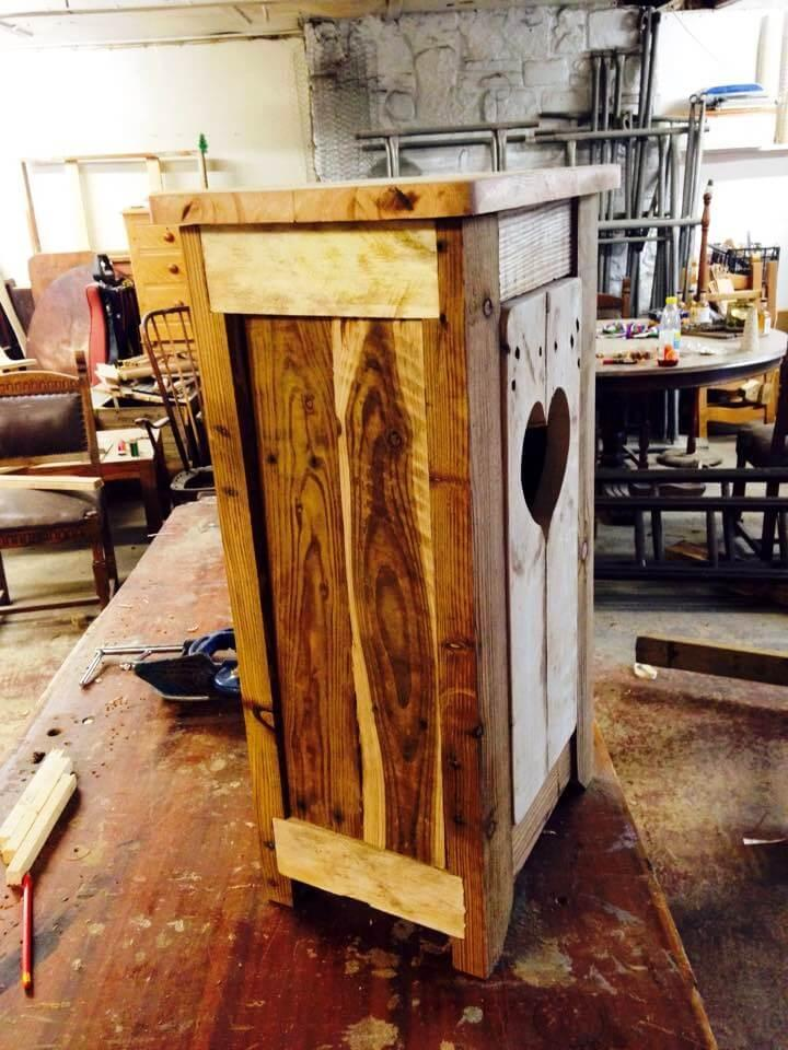 handmade wooden pallet cupboard for bathroom toiletries