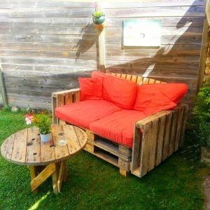pallet and old spool garden sitting set