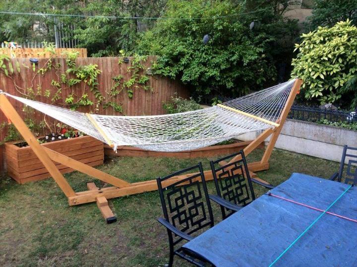 handmade pallet hammock