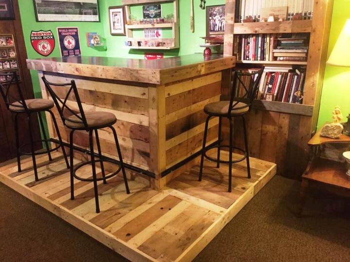 diy pallet indoor bar