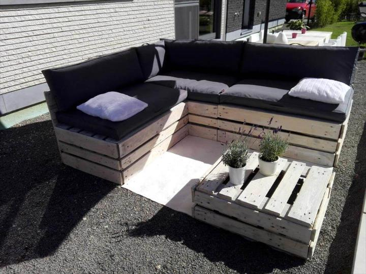 upcycled wooden pallet lounge set